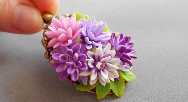 cvetok-iz-polimernoj-gliny