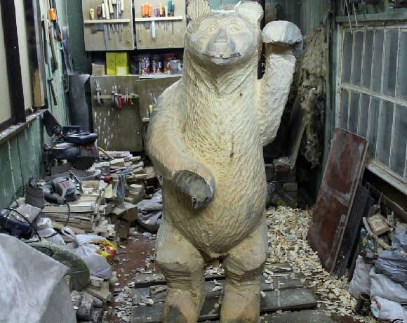 medved-iz-dereva